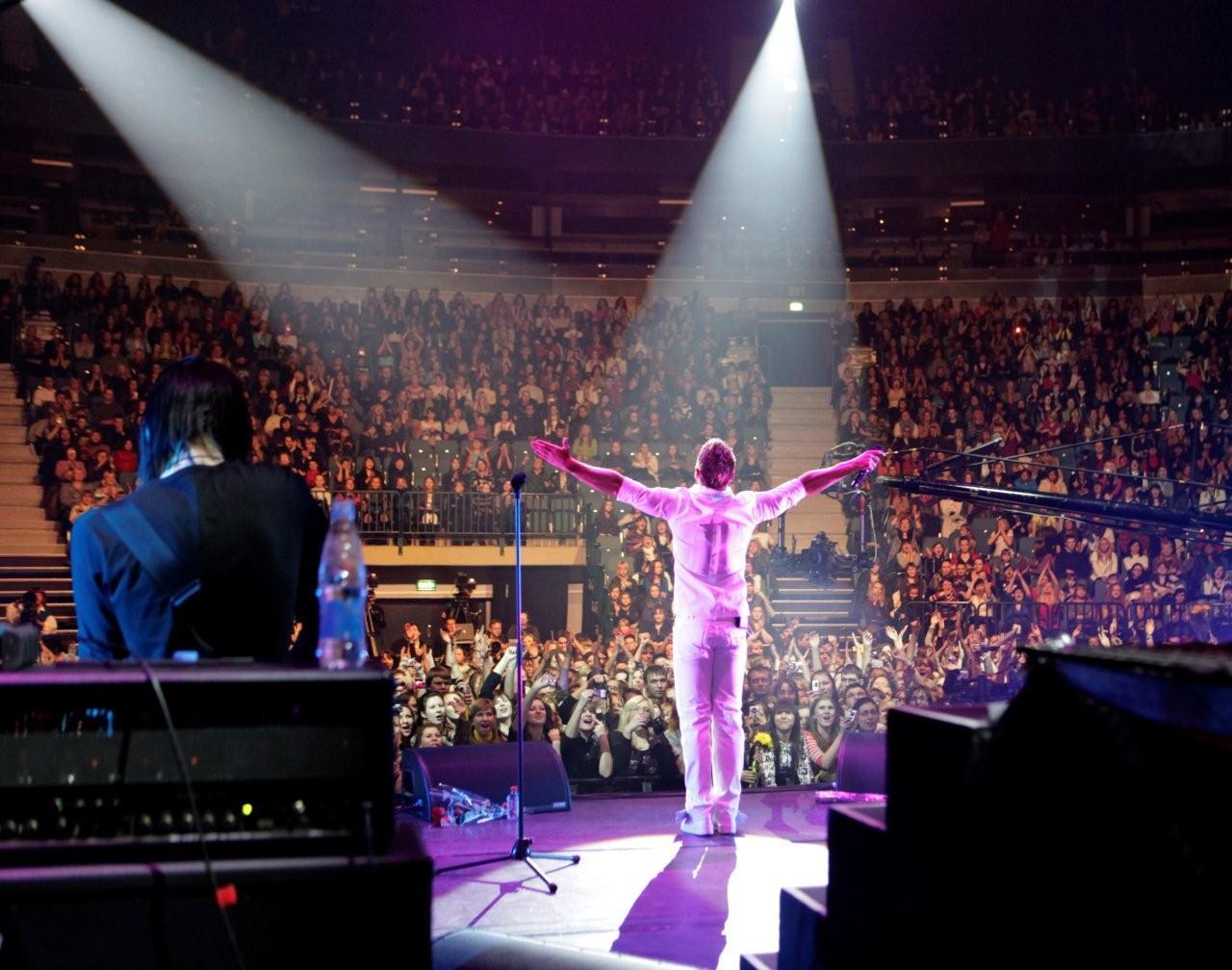 Фото сергея лазарева на концерте 5
